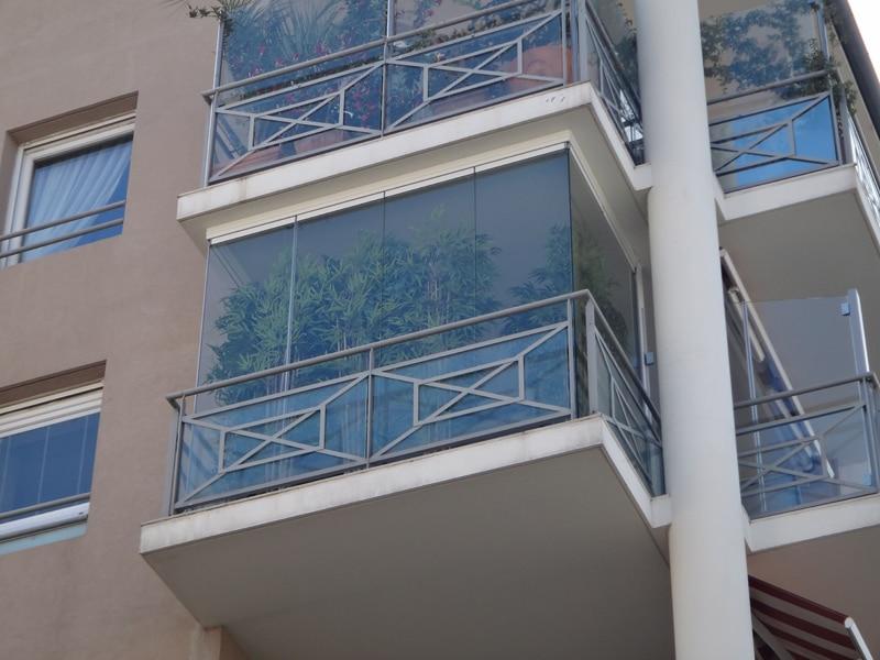 fermetures de balcon en verre montpellier rideau de verre miroiterie s. Black Bedroom Furniture Sets. Home Design Ideas