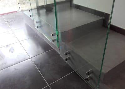 Fixation avec points Garde-corps en verre Montpellier