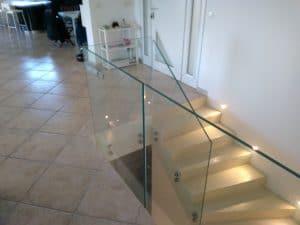 rambarde d'escalier en verre