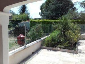 Garde-corps en verre piscine dans l'Hérault