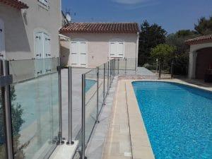 Garde-corps en verre piscine à Montpellier