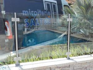 pose de garde corps en verre pour piscine