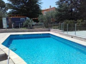 installation de garde coprs en verre pour piscine