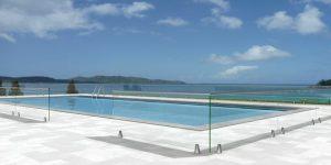 garde coprs en verre pour piscine