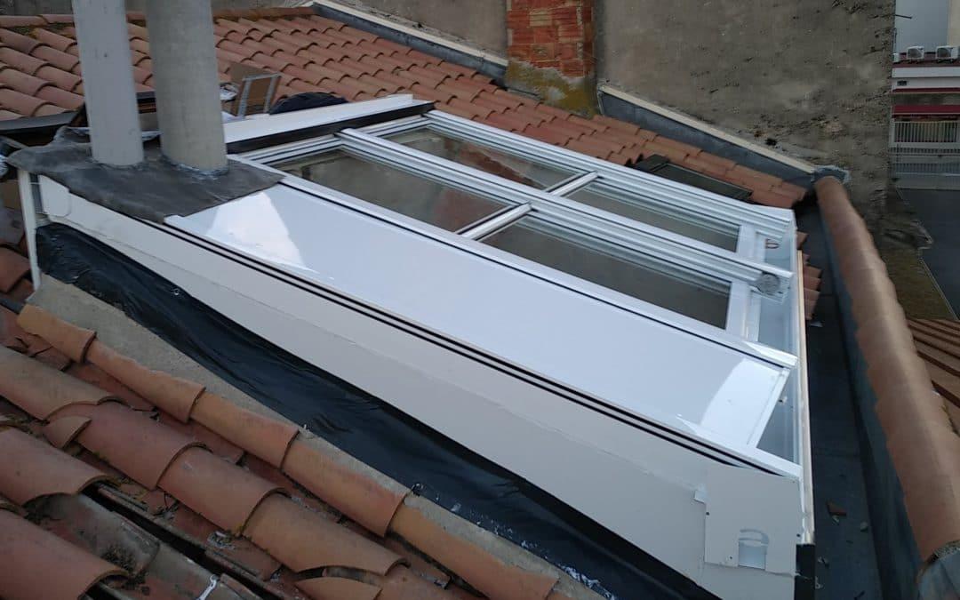 puits de jours sur toiture équipé d'une fenêtre de toit ouvrante dans l'hérault