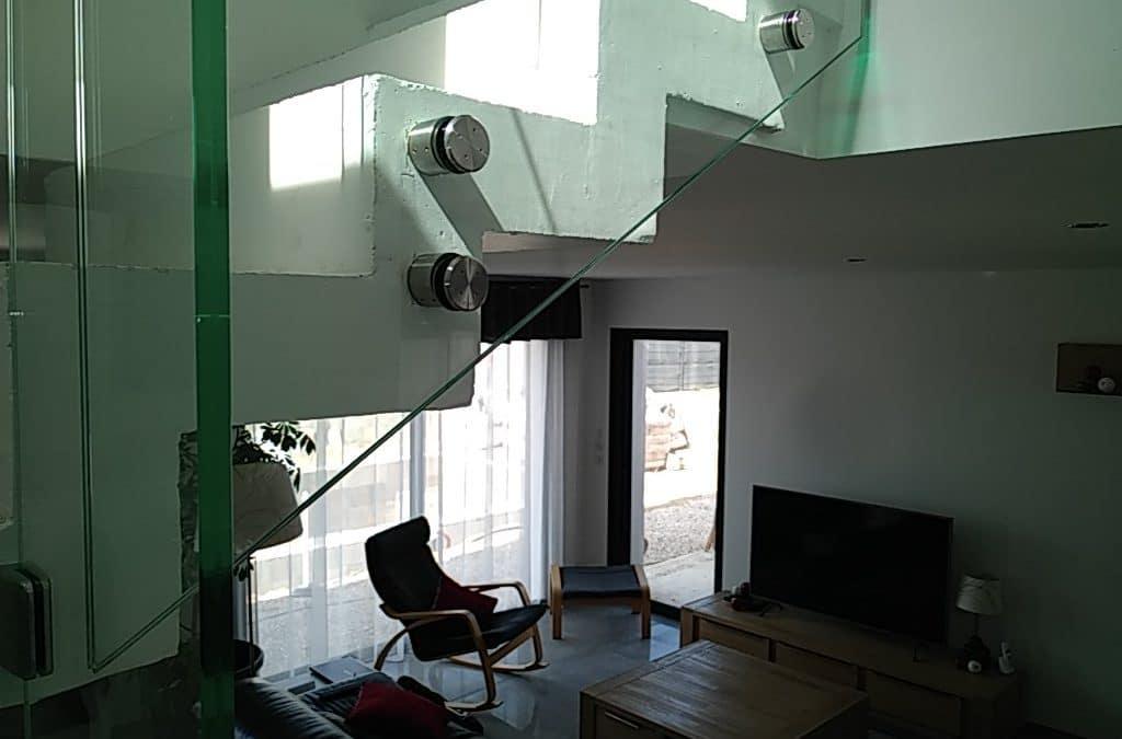 garde de corps d'escalier en verre